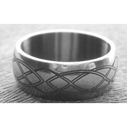 Кольцо титановое с лазерной гравировкой