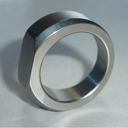 Перстень титановый