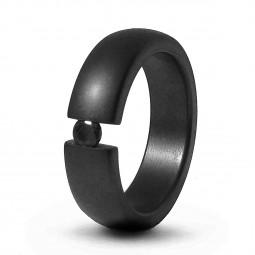 Кольцо из черного титана с черным бриллиантом